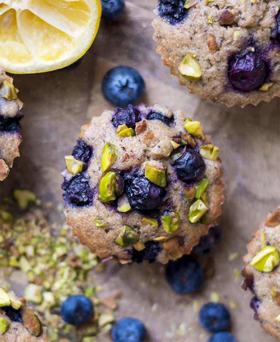 blueberry.pistachio.crumblemuffins.featured.wiw