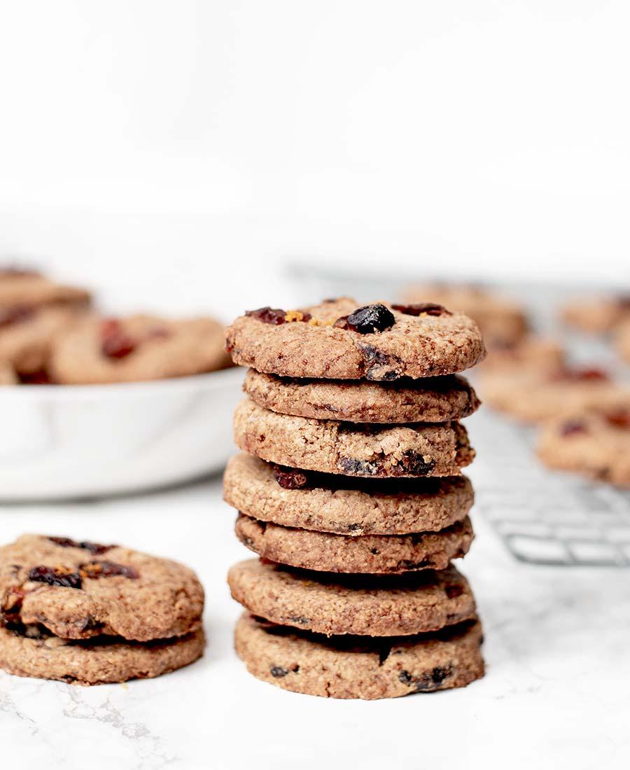 cranberryorangeshortbreadcookies.wiw .8.featured