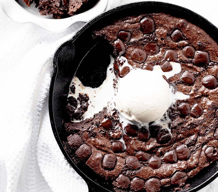 gluten free dark chocolate chip skillet brownies wiw 6