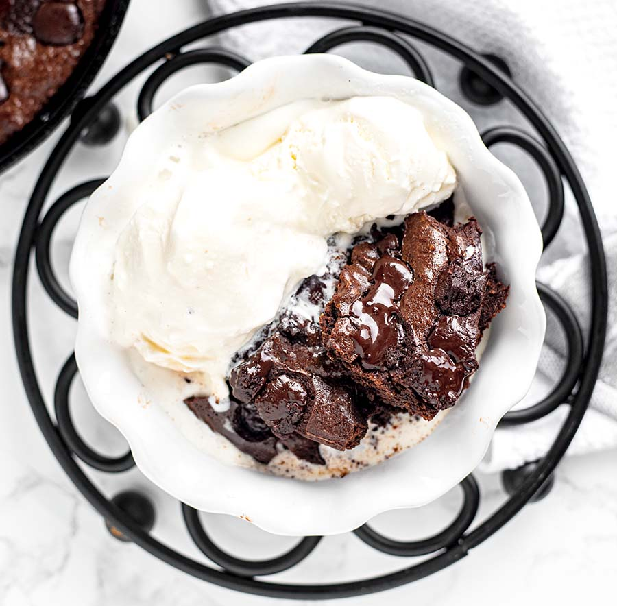 gluten free dark chocolate chip skillet brownies wiw 9