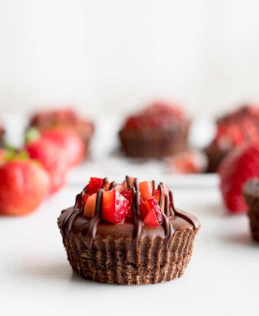 chocolate covered strawberry cheesecake cups 4