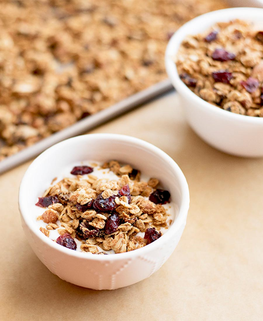 vegan.cran .almond.granola.wiw1featured