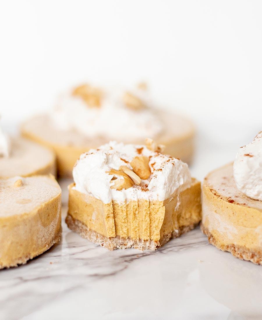 nobake vegan pumpkin cheesecakes.wiw1 .featured