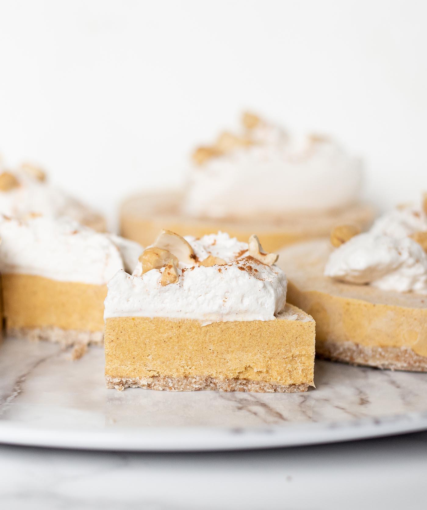 nobake vegan pumpkin cheesecakes.wiw5