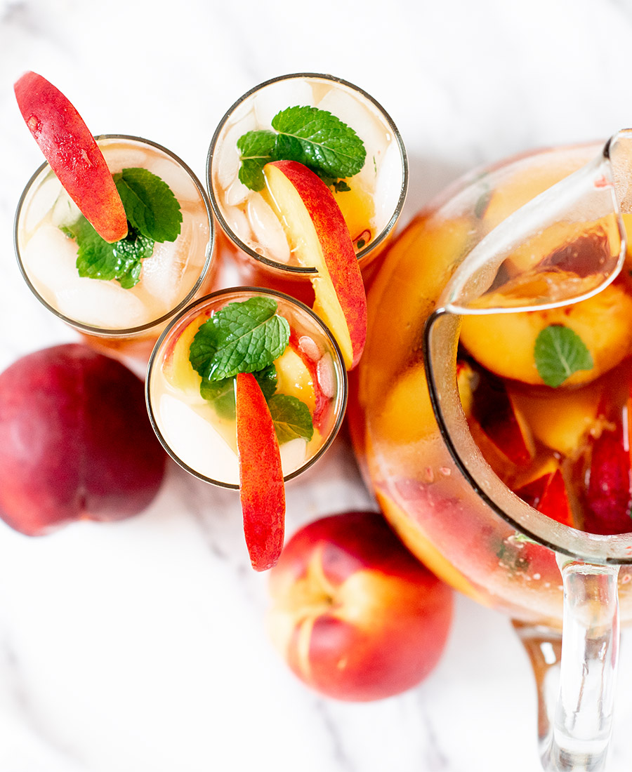refreshing.bubbly.peach .mint .cocktail.wiw8 .featured